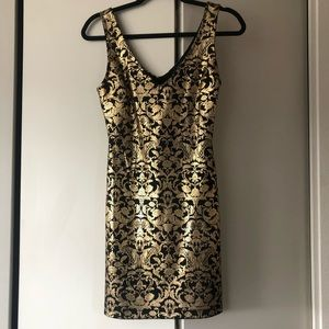 Forever 21 Gold bodycon Dress Size Small